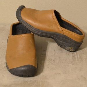 KEEN Cush Slip-On Clogs Womens size 6.5